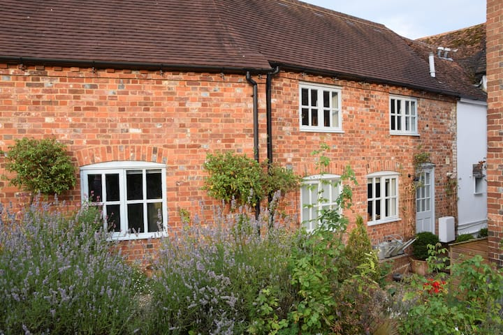 A Coach House in Ramsbury with 2 Double Bedrooms