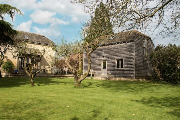 Detached, self-contained, annexe near Castle Combe