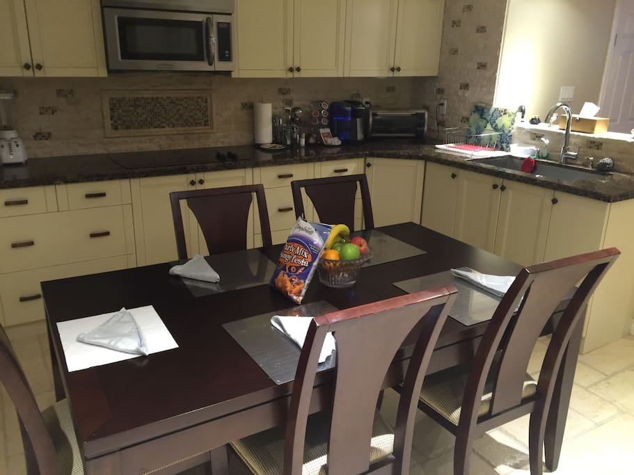 basement in law suite for 6 guests houses for rent in hamilton