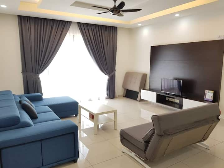Lovely Family Suite ♣2BR♣4PAX♣ w/ WIFI near Sunway