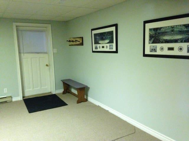 Cozy basement in village of Nottawa - country feel - Collingwood - Dům