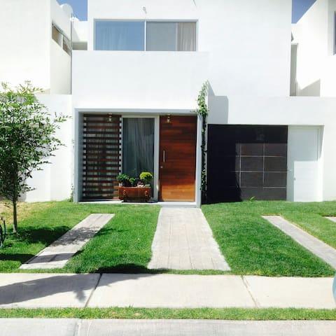 Cómoda habitación , Marcellana, Aguascalientes - Aguascalientes - Casa