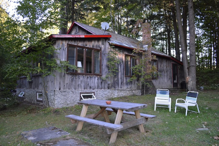 Cottage on Lake St. Catherine, MTN Biking/Hiking!