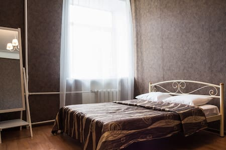ДЯ94а - Квартира с двумя комнатами возле парка