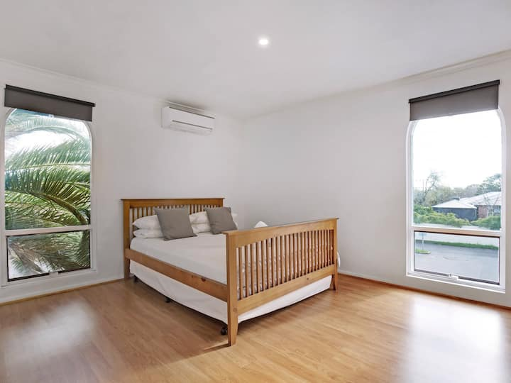 Adelaide Holiday Homes Two-Bedroom
