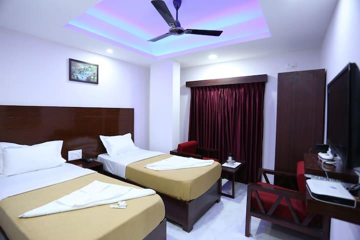 Hotel R R International - Bangalore