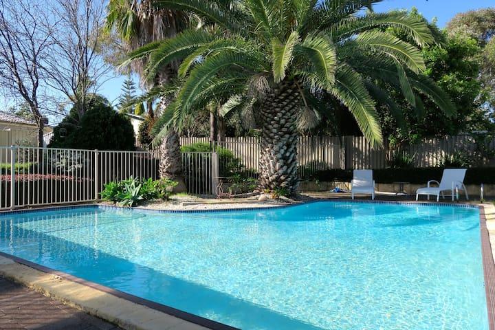 Edgewater Palms - Edgewater - House