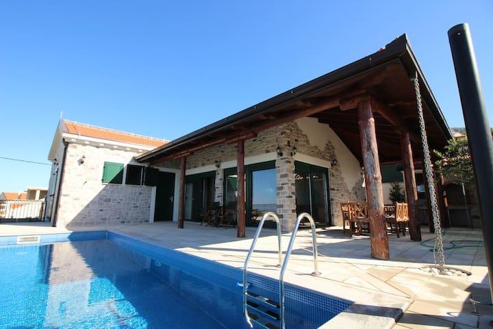VILLA SELLISTA, SPECTACULAR SEA VIEW, PRIVATE POOL - Dubrovnik - Villa