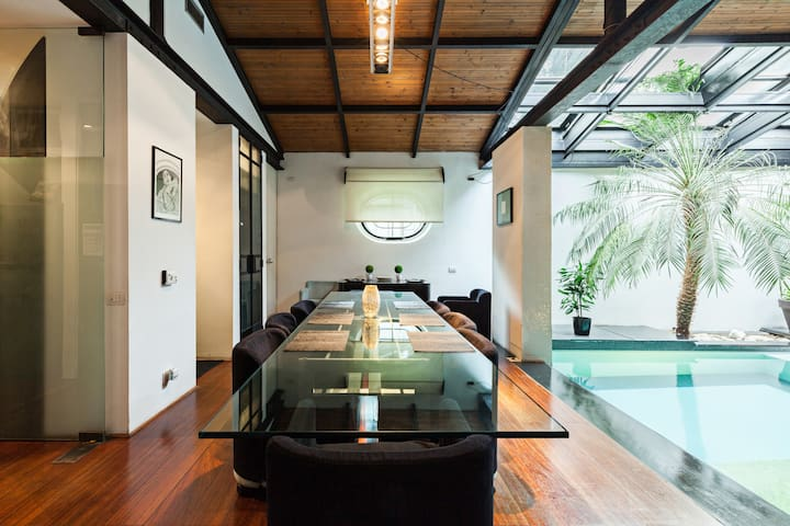 Appartamento Open Space di Design con Piscina
