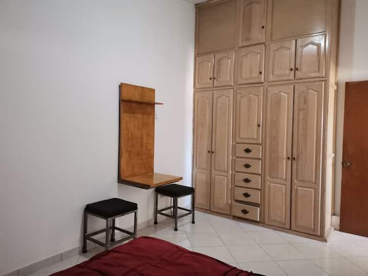 Comoda habitación privada en zona del Country