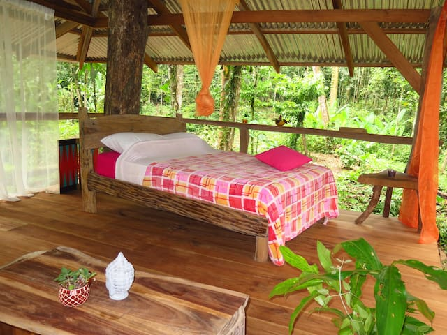 Amazing Tree-deck sleep experience! - Puerto Viejo - Bed & Breakfast