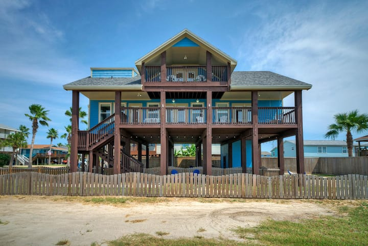 BLUE CRUSH - 4BR/3BA, Ship Channel View, Sleeps 14