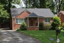 Adorable & Quiet Decatur Home