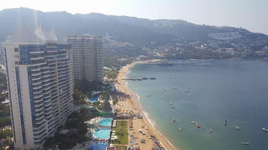 Acapulco Costa Azul sobre la playa - Acapulco