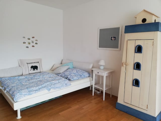 Ruhiges, helles Zimmer im Herzen Schwabings