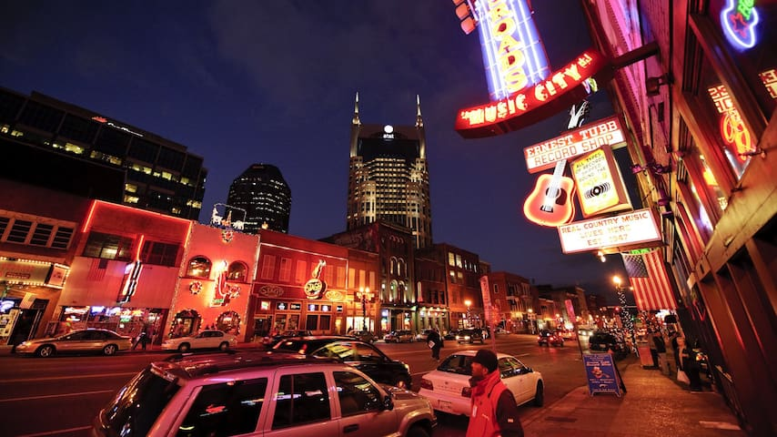 BROADWAY AND BEYOND! Walk to it all - Nashville - Apartamento