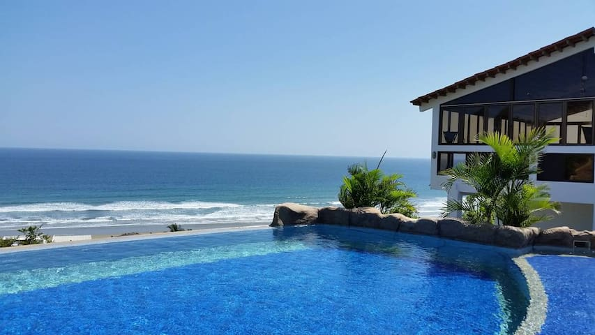 Sonido del Sol vacation home with ocean view - Olon