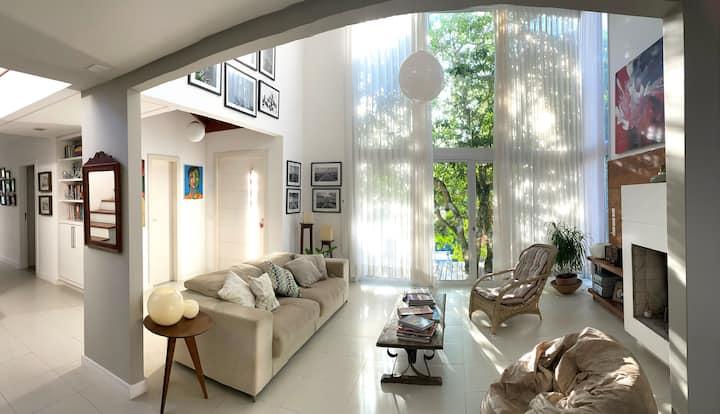 Cozy 2 bedrooms house in Sambaqui- Florianópolis.