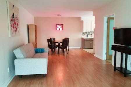 Large Apartment close to Everything! - West Hollywood - Apartament