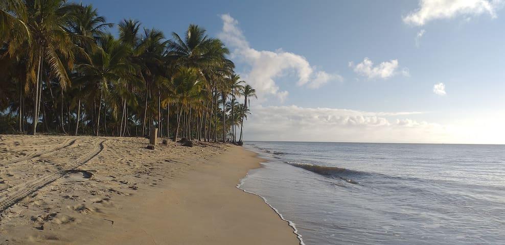Sinta o prazer de morar de frente para o mar.