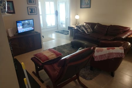 2br King-Queen/2ba/Pool/ No cleaning fees!