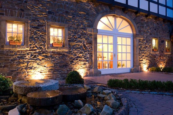 Herzlich Willkommen auf dem IDINGSHOF Hotel & Restaurant...