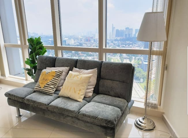 City View King Bed Studio + 3 Mins LRT Station
