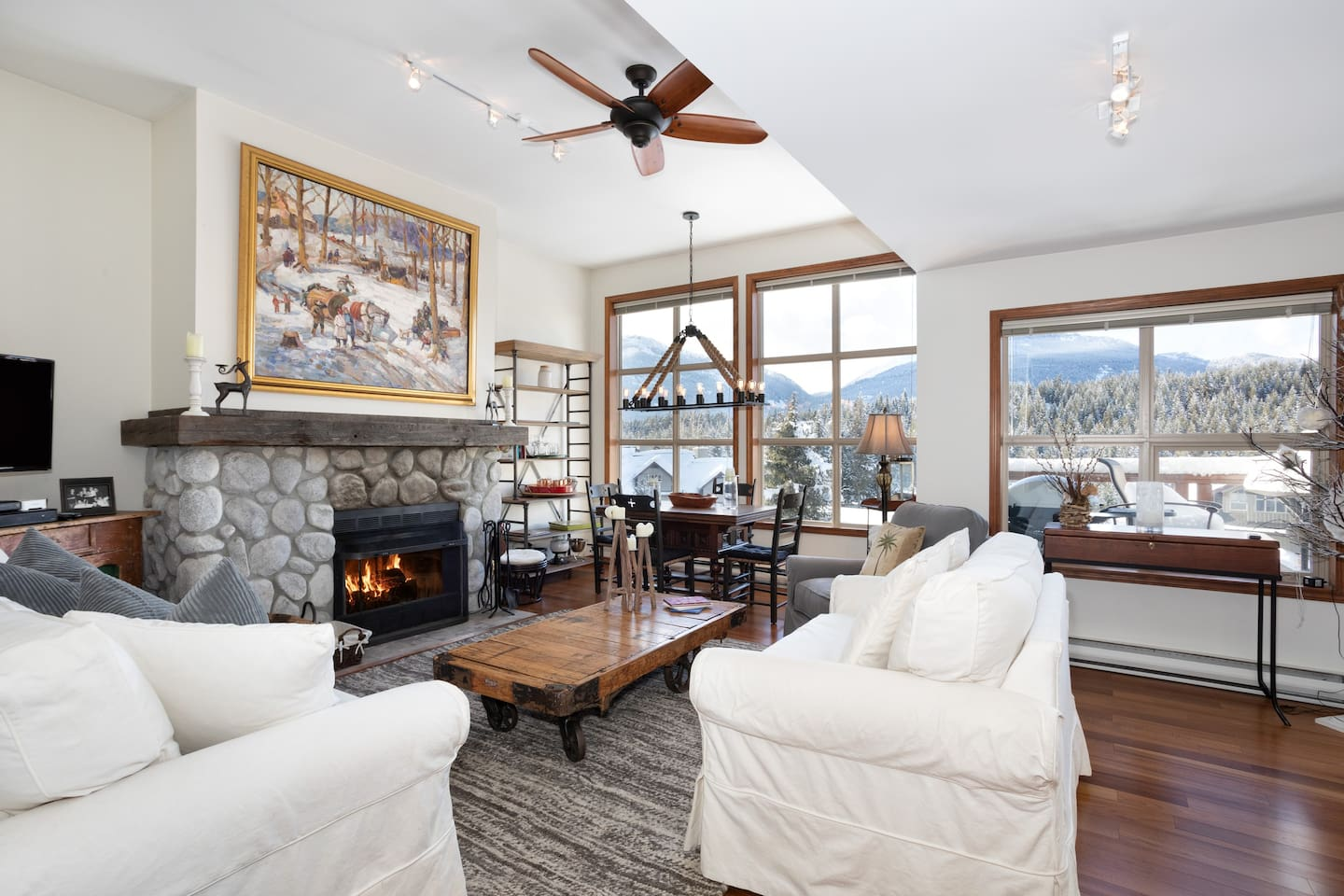 Style and comfort with amazing views!