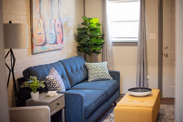 Quiet, Safe and newly remodeled apt. in Midtown