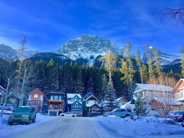 Logan's Run - Canmore - Bed & Breakfast