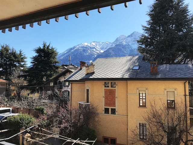 Comfortable and cozy apartment - Aosta - Apartemen
