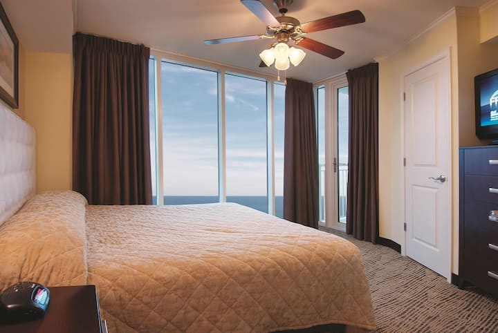 Wyndham Vacation Resort Towers on the Grove - One Bedroom Ocean View