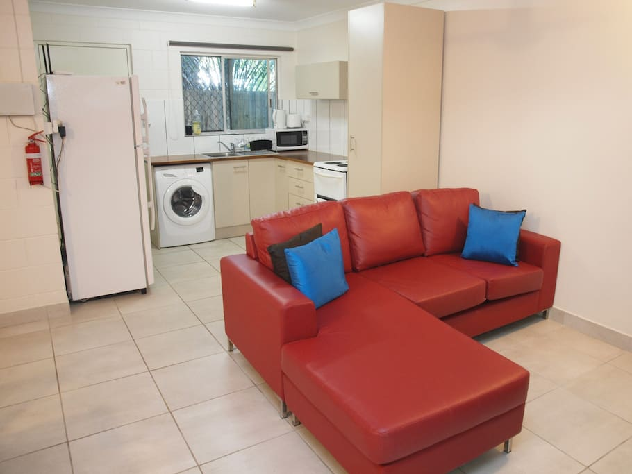 G4 inner city two bedroom pet friendly apartments for rent in cairns city queensland for 2 bedroom pet friendly apartments