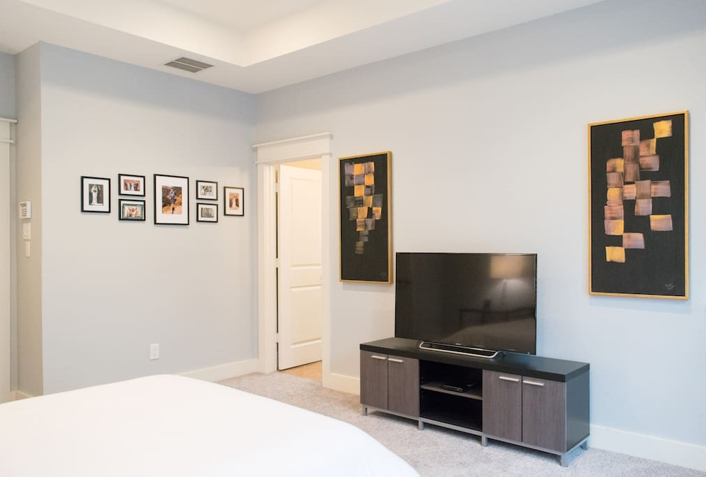 Master bedroom - wired with DirectTV (every room in the house is)