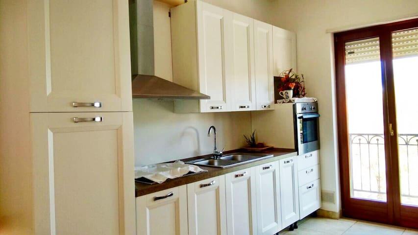 Appartamento max 5 persone - Villa Castelli - Apartamento
