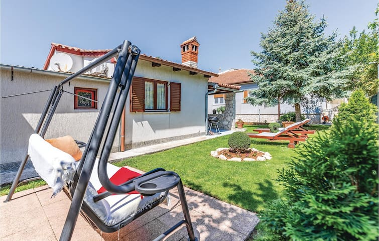 Holiday cottage with 2 bedrooms on 45m² in Fazana