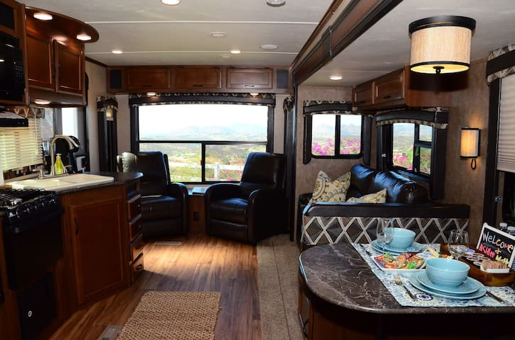 Temecula Wine Country - Hilltop Luxury RV - Temecula - Autocaravana