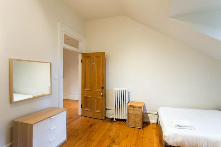 Luxury Bed & Breakfast 24: Private Room, 2 Double Beds #4