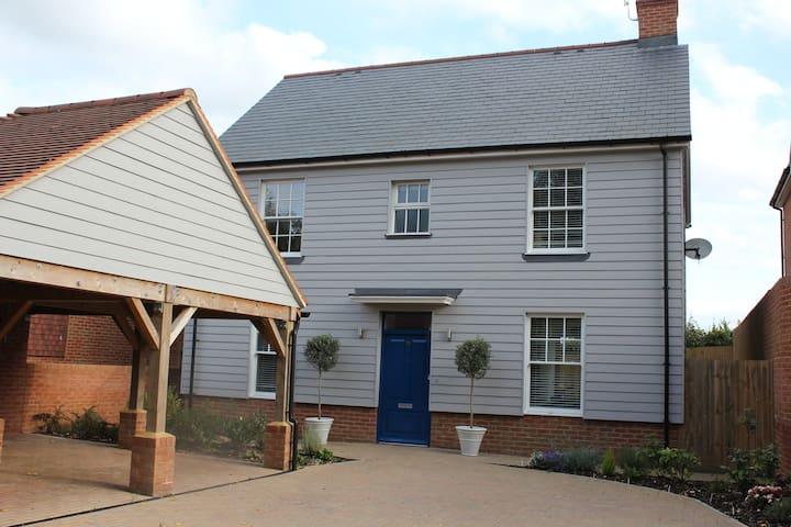 Elmwood House - Single Room
