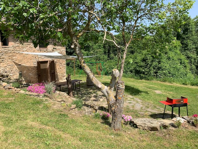 Lovely home for 4 + pool 18km to Siena
