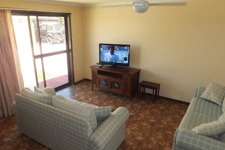 Ocean Beach Chalet 2 - Jurien Bay