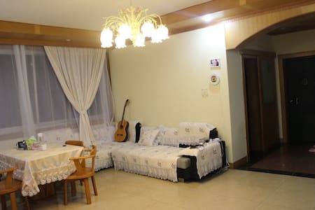 Vintage  room in city center, near Li river - 桂林 - 公寓