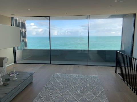 Luxury flat on Sandbanks beach with panorama view