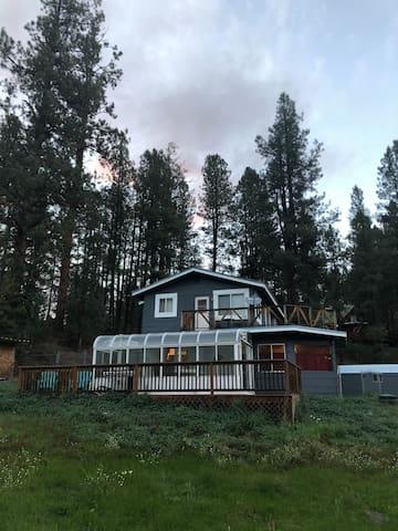 ADORABLE PROPERTY! 3BR/2BA  Mountain Home.