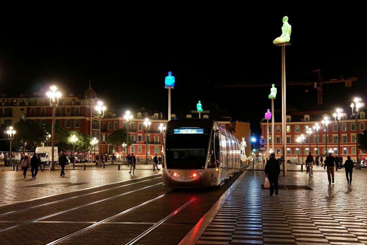 A 1 minute du tramway