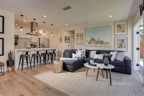 PB La Jolla Dream HOUSE Steps to Beach ❤️ Private