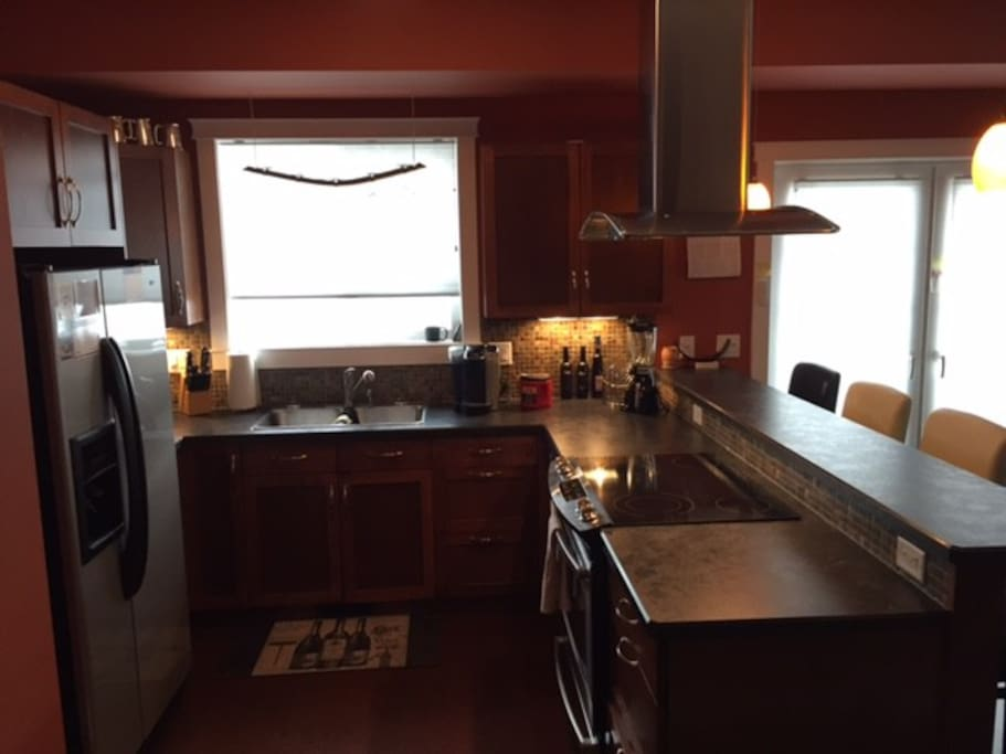 Deluxe kitchen with all amenities
