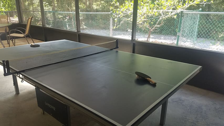 Ping pong table. Do you play? Can I challenge you to a match?