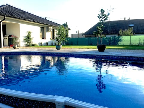 Guesthouse with swimming-pool