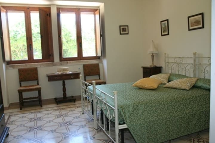 Apt in Rural Farmhouse sleeps 6/7 - Castellana grotte - Daire